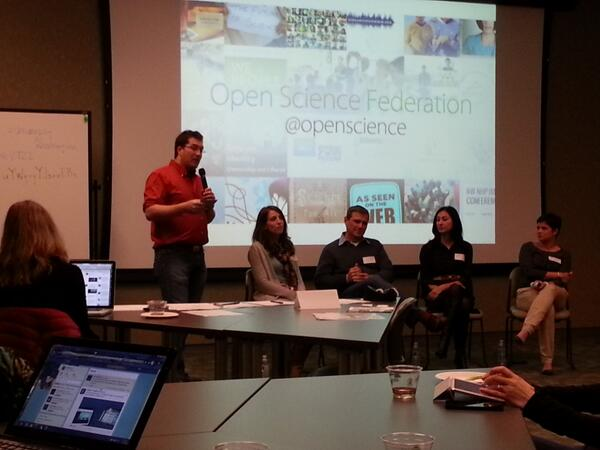 "Ivan Fernando Gonzalez introduces the panel at ScienceOnline Seattle: ""Engaging the Invisible Americans: Science communication for Spanish-speaking audiences"""